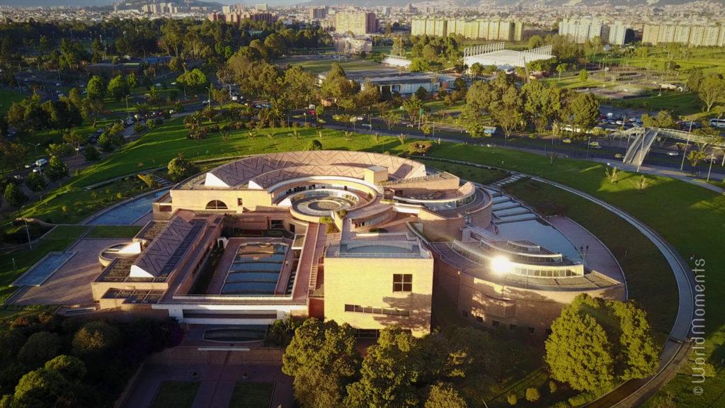 bogota biblioteca publica virgilio barco drone