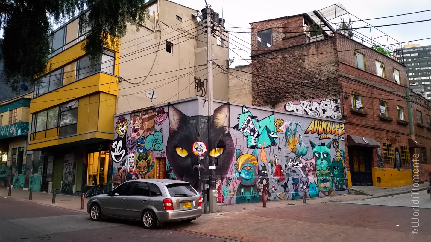 La Candelaria Bogota: Graffiti is part of the streets beauty. Do you find the stop sign outside the image?