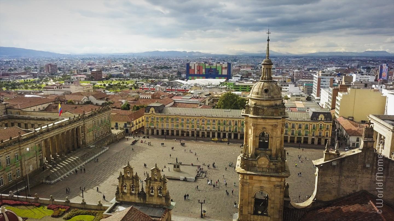 bogota plaza de bolivar perspectiva drone