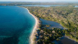 peninsula de barú from drone perspective wih white beaches, forest an ocean