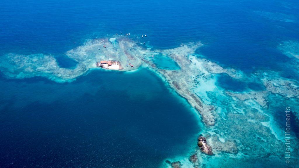 cartagena islas del rosario drone view