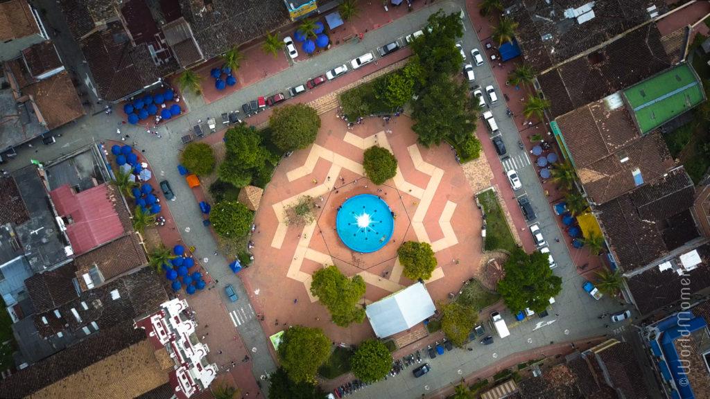 guatape parque principal from above