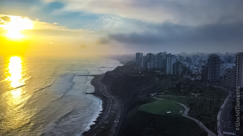 Lima - Miraflores: Moderno distrito con impresionante vista al mar.