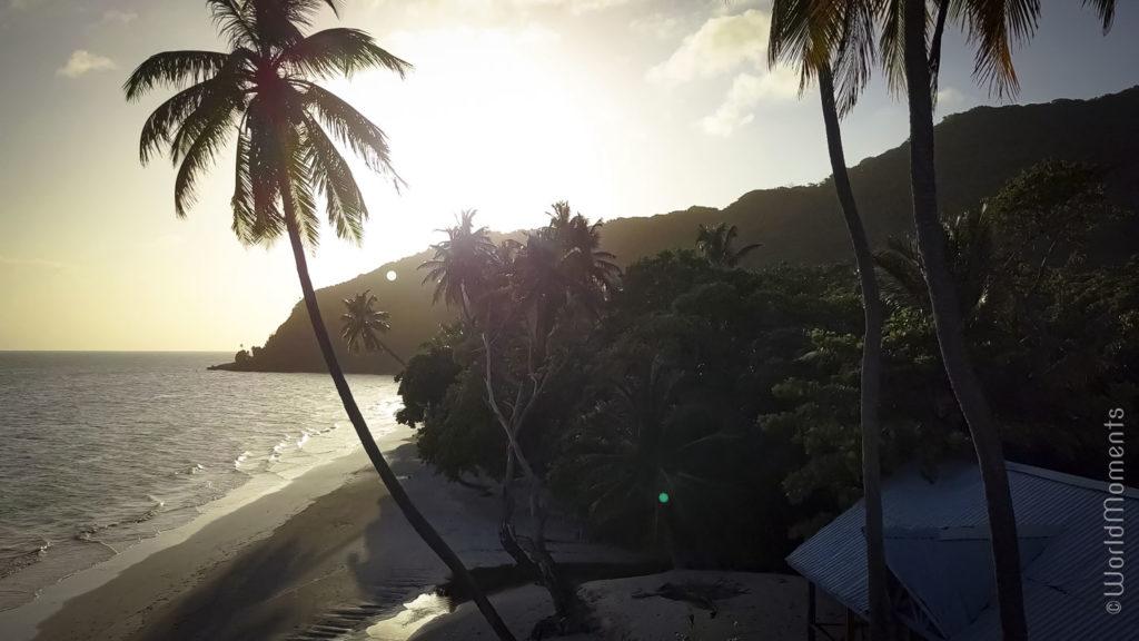 atardecer en playa manzanillo