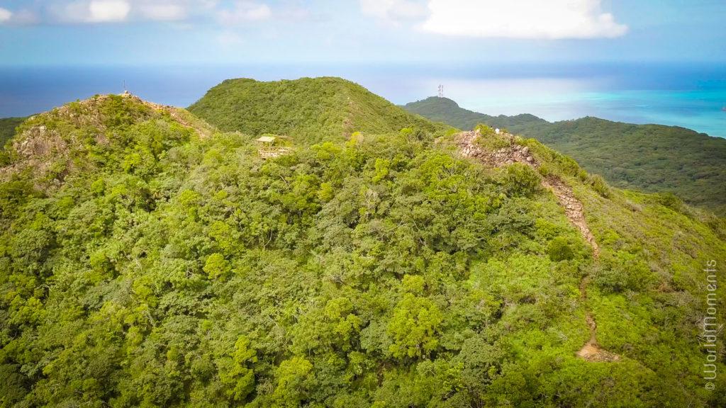 isla Providencia vista del pico panoramica con dron