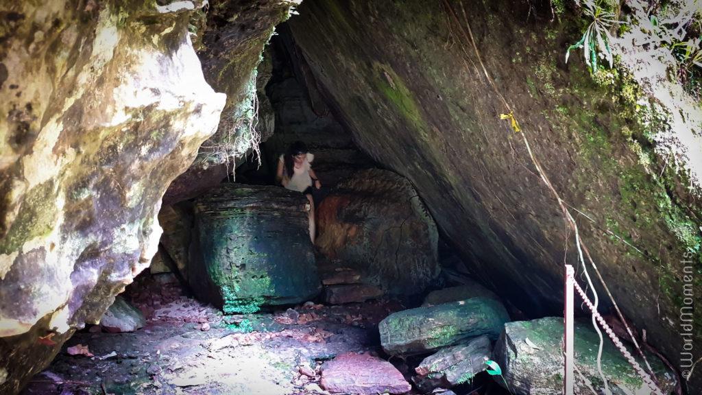 La delicia waterfall inside the cave