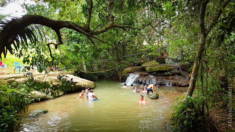 Puentes naturales pool in San Jose del Guaviare people bathing