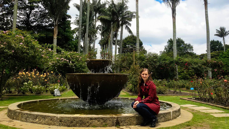 naomi infront of water fountain bogota jardin botanico