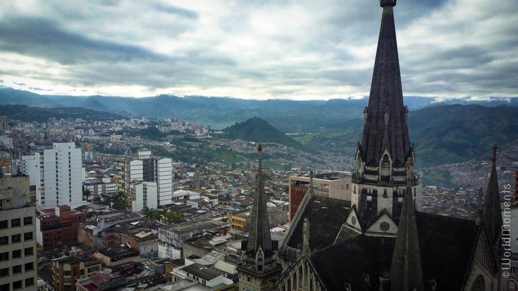 vista de Manizales desde la cima de la catedral
