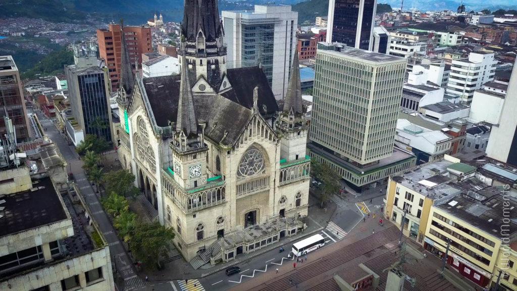 basilica de Manizales vista aerea con dron