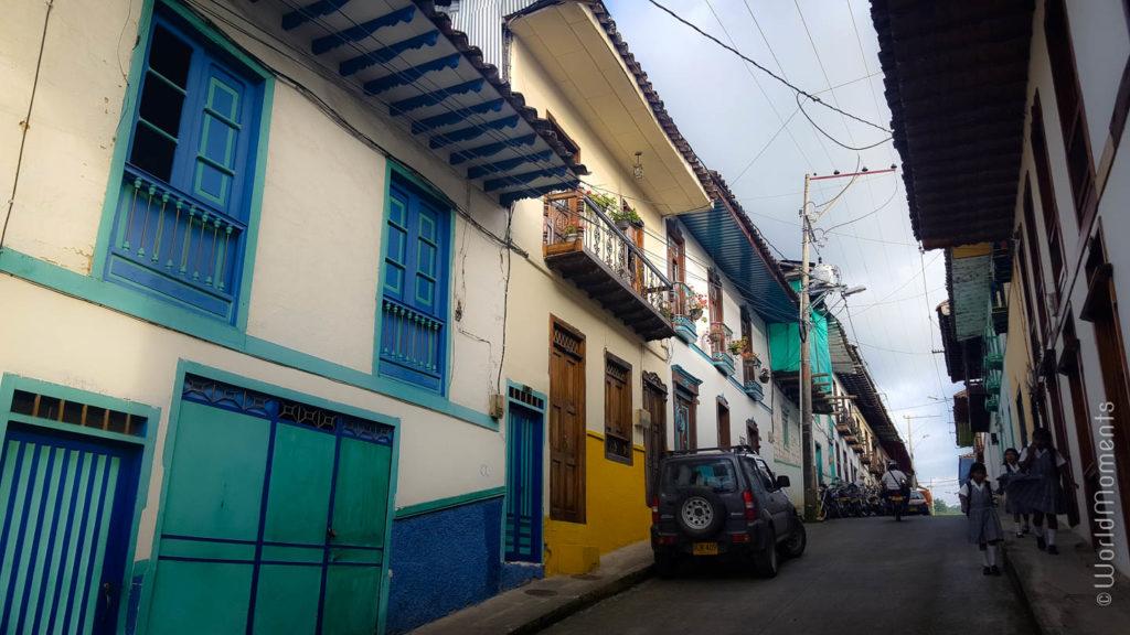 calles coloradas en arquitectura paisa en Salamina