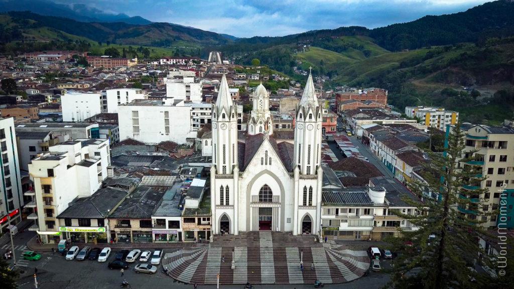 vista aerea de la basilica de Santa Rosa de Cabal