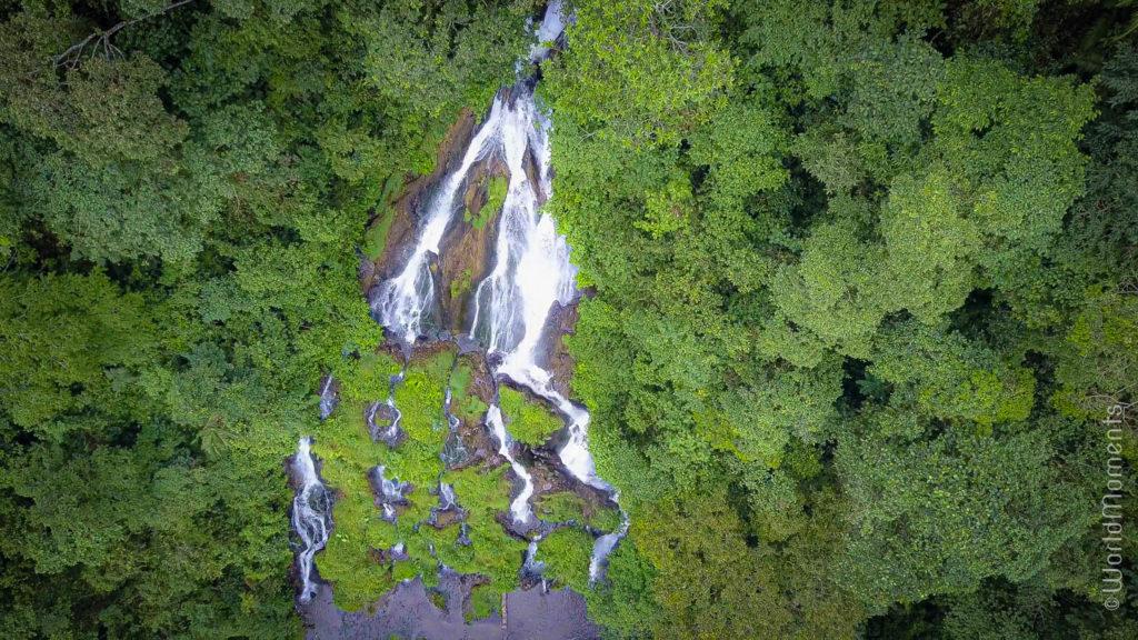 cascada de las termales de Santa Rosa de Cabal vista con drone
